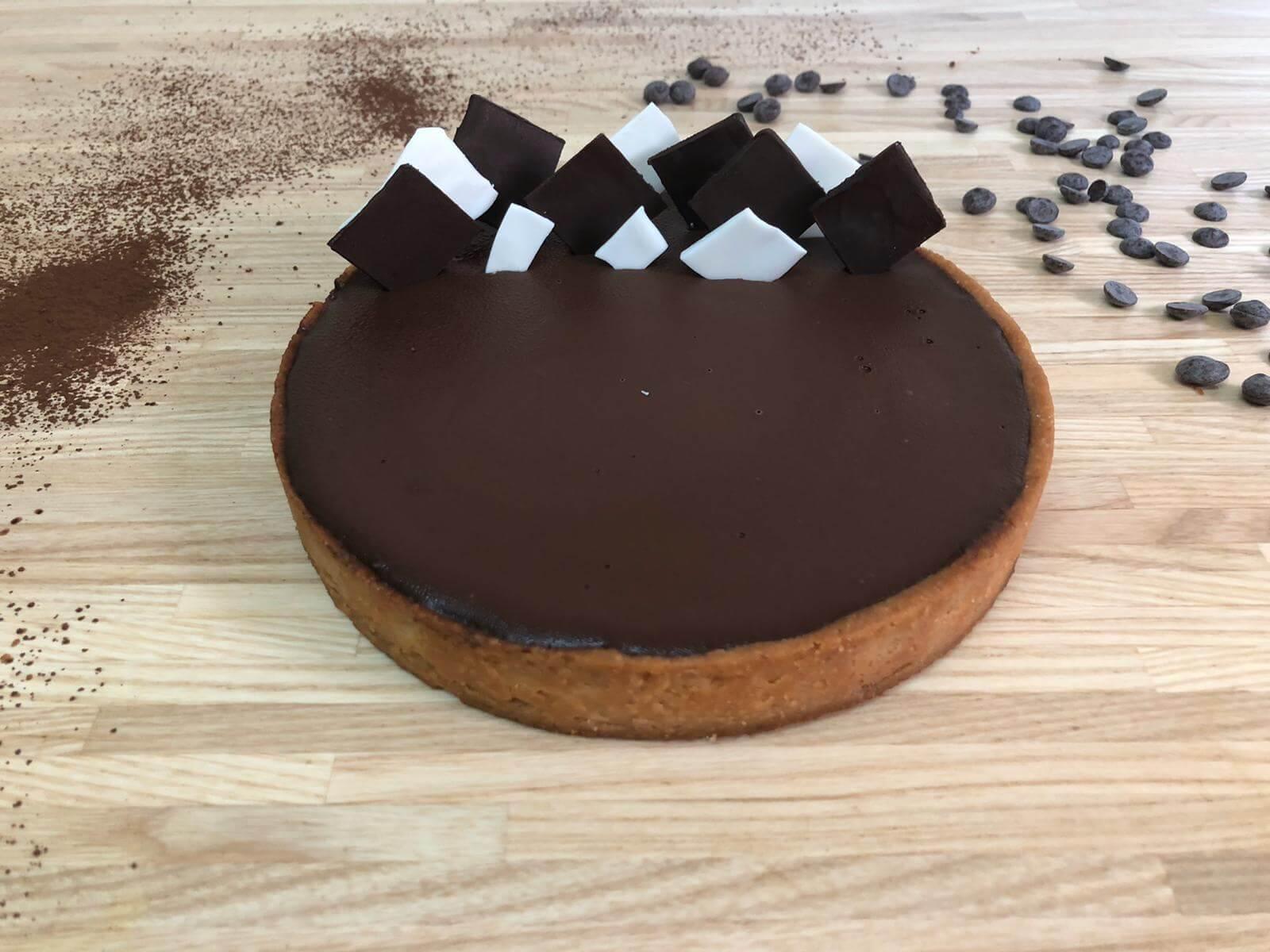 שני דייזי דנה/ טארט שוקולד מריר