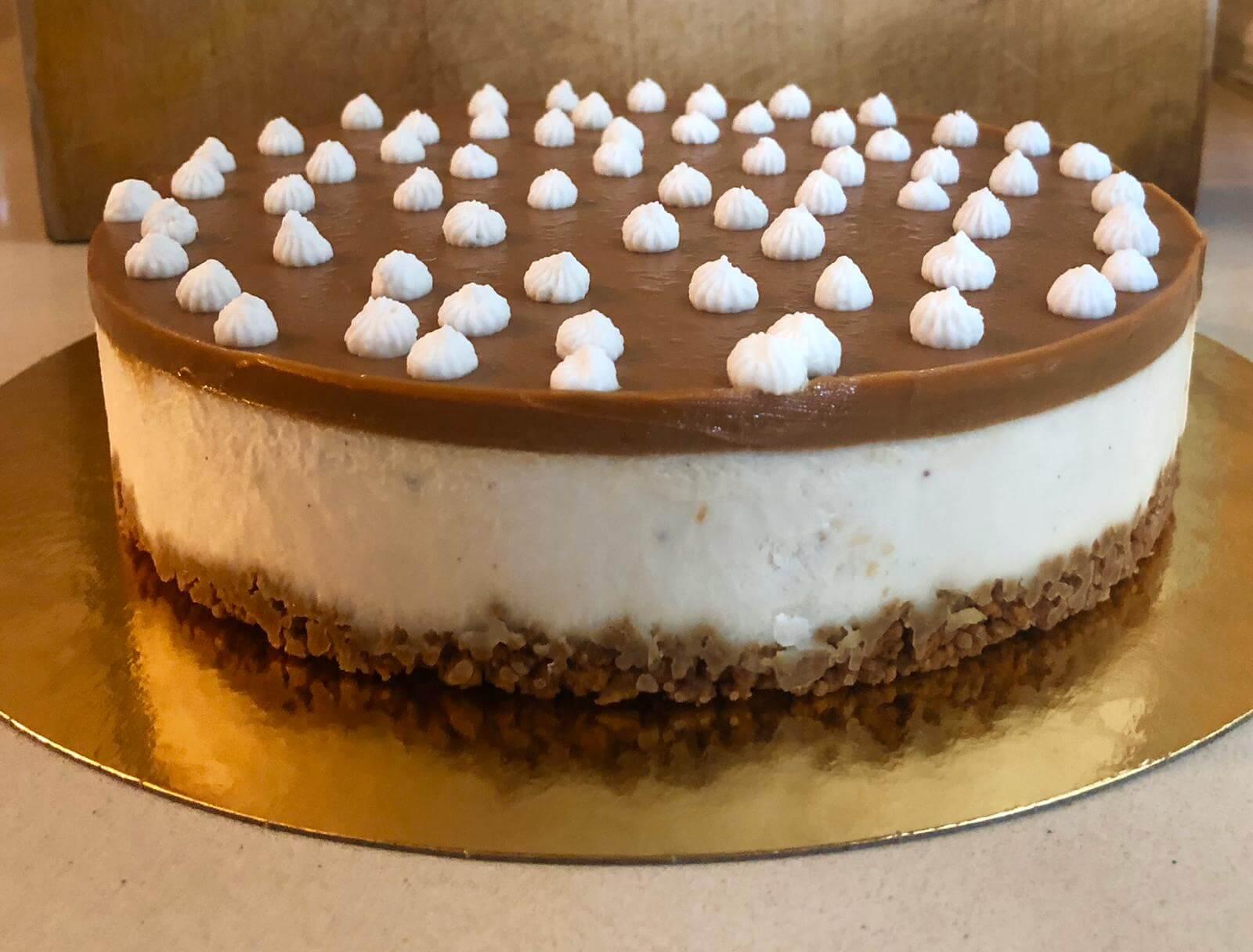 שני דייזי דנה/ עוגת גבינה לוטוס